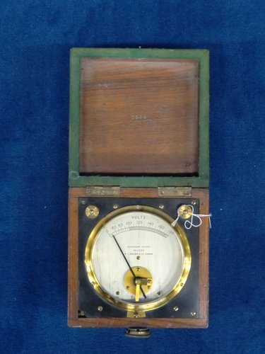 Eversheds  Voltmeter