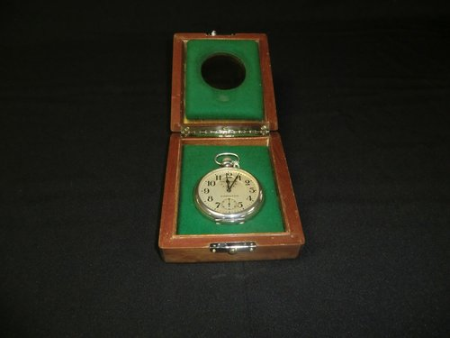 Chronometer US Navy Hamilton  22-21 Jewels ADJ. To temp + 6 Pos