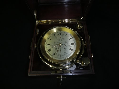 Chronometer Hewitt & Son Makers to the Admiralty